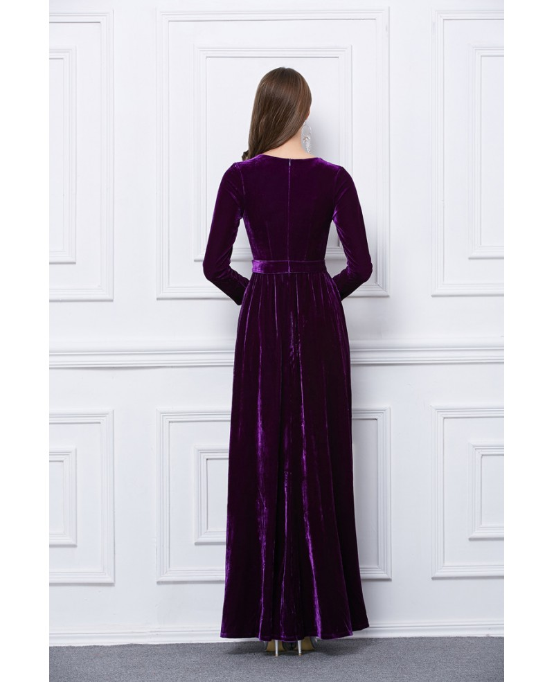 Luxurious Velvet Evening Dress With Long Sleeves