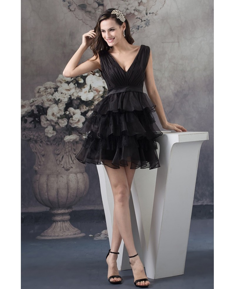 Black A-line V-neck Short Tulle Homecoming Dress With Ruffle