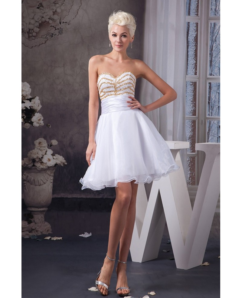 White A-line Sweetheart Short Organza Prom Dress With Beading Bodice