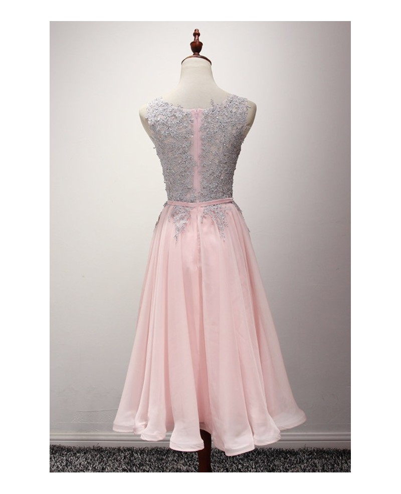 Blush A-line Scoop Neck Knee-length Chiffon Homecoming Dress With Appliques Lace