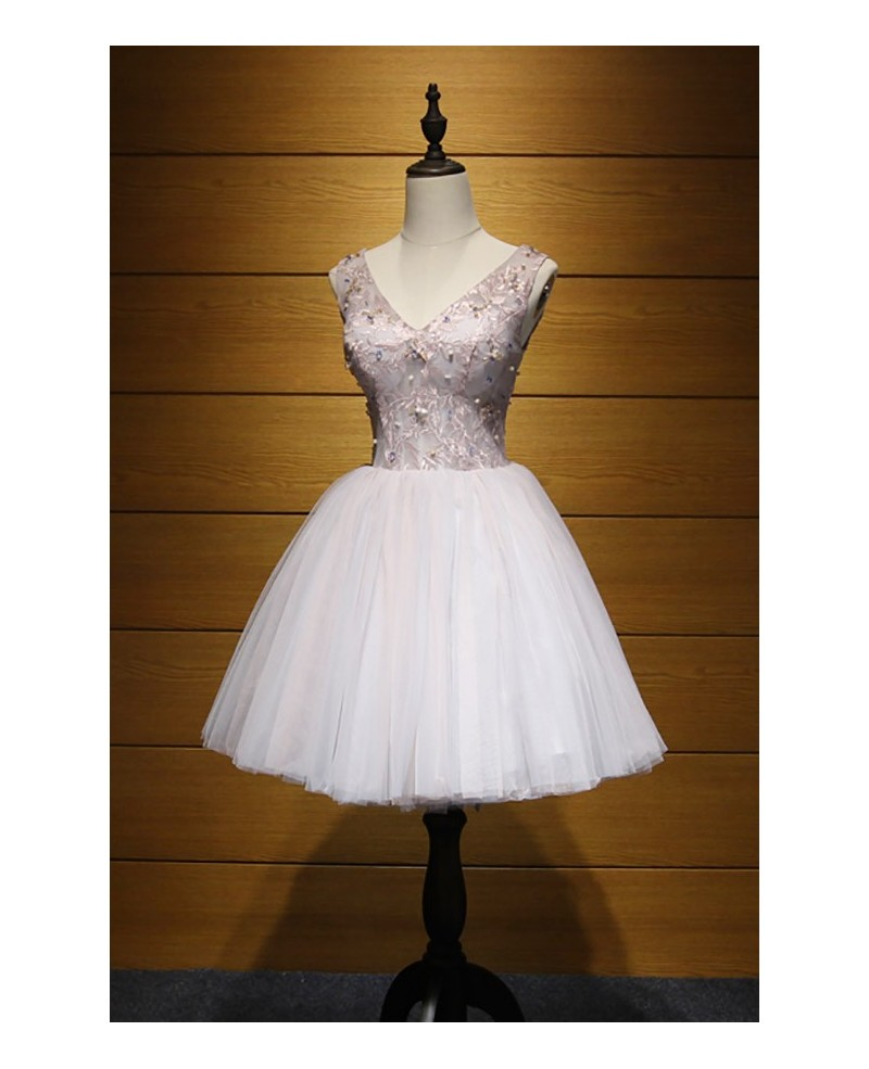 Romantic Ball-gown V-neck Short Tulle Homecoming Dress With Beading