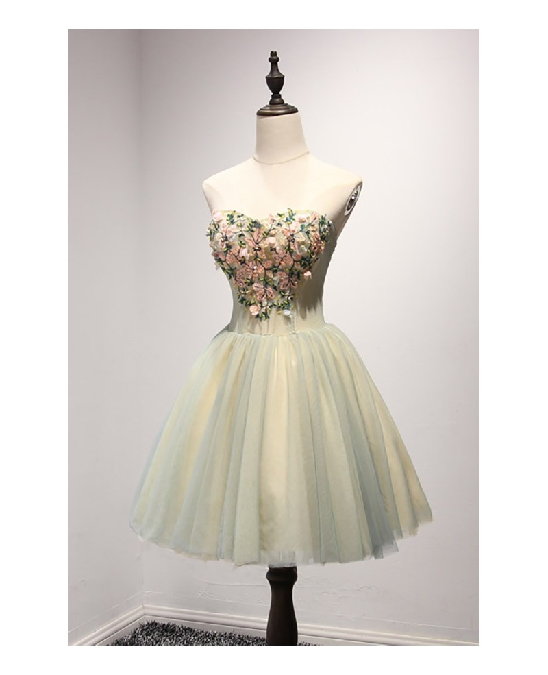 Retro Ball-gown Sweetheart Short Tulle Homecoming Dress With Appliques Lace
