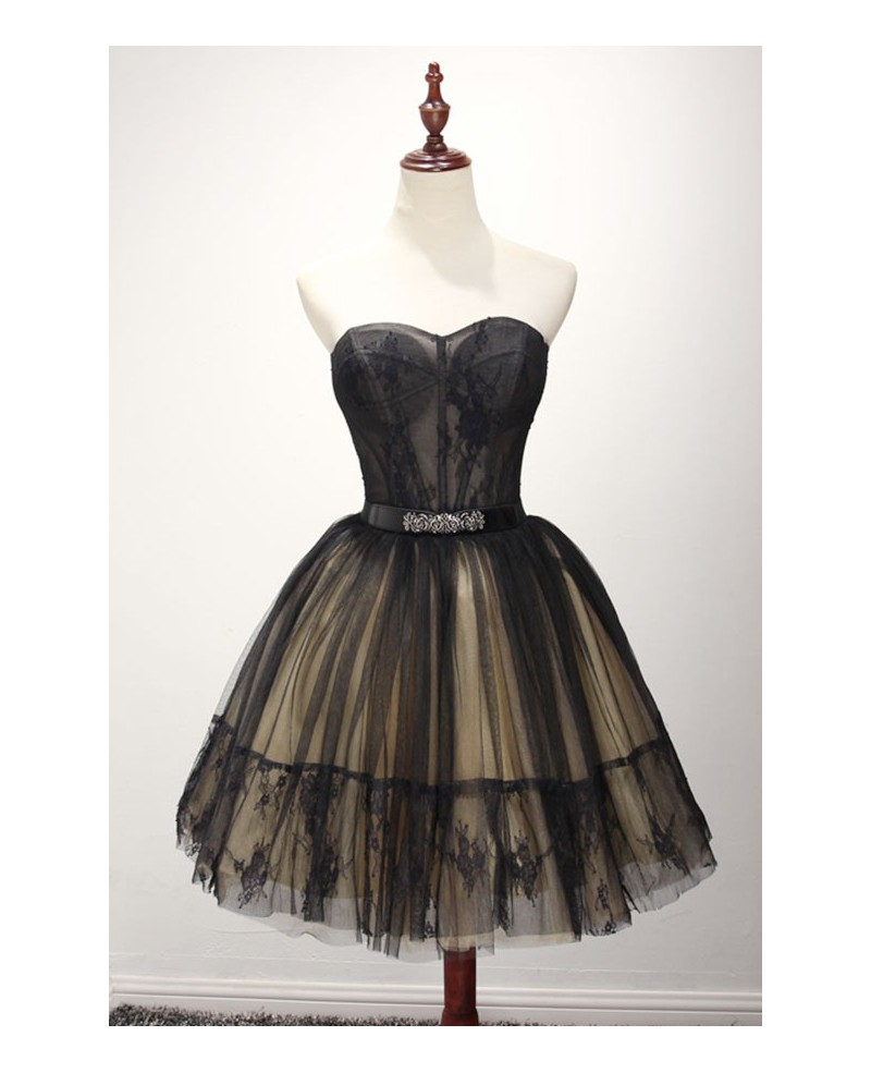 Stunning Ball-gown Sweetheart Short Tulle Homecoming Dress With Lace