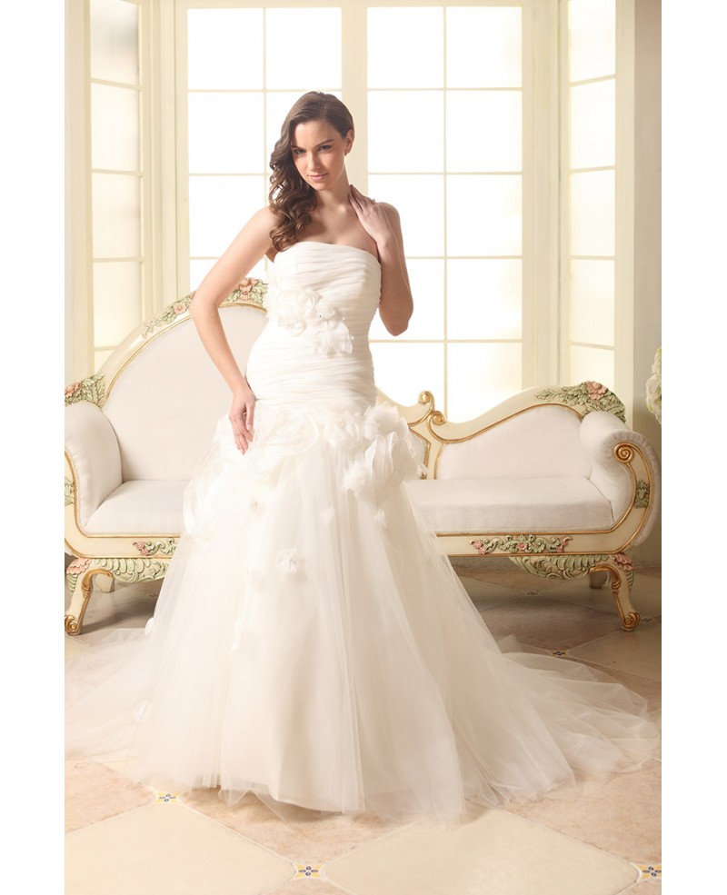 Ball-gown Strapless Court Train Tulle Wedding Dress With Flowers