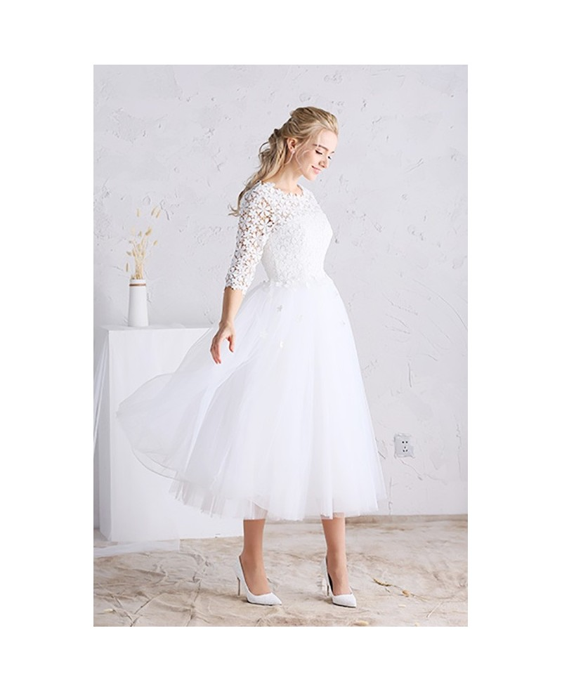 Gorgeous A-line Scoop Neck Tea-length Tulle Wedding Dress With Sleeves