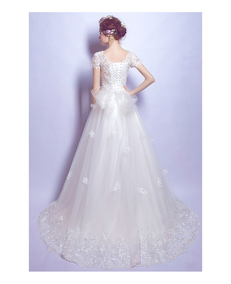 Feminine Ball-gown Scoop Neck Court Train Tulle Wedding Dress With Lace