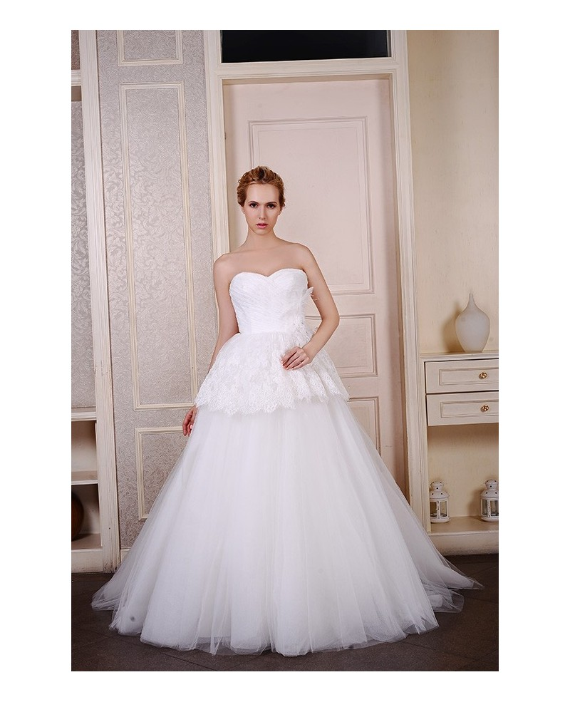 Ball-Gown Sweetheart Sweep Train Tulle Wedding Dress With Appliques Lace Pleated